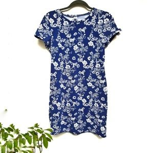 Navy blue floral fitted T Shirt dress.